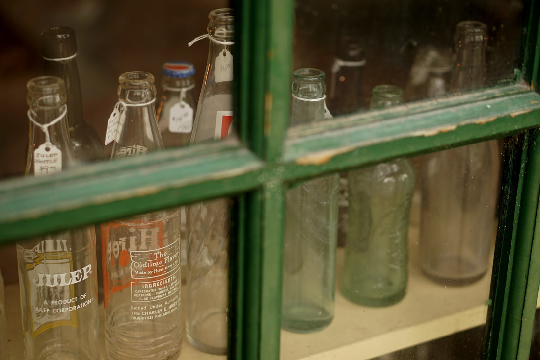 Picture of old soda bottles in Micanopy, Florida antique store